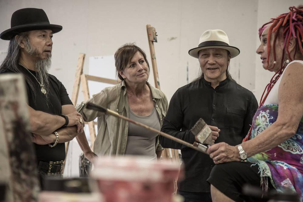 Lynn Schoene mit Zhou Brothers